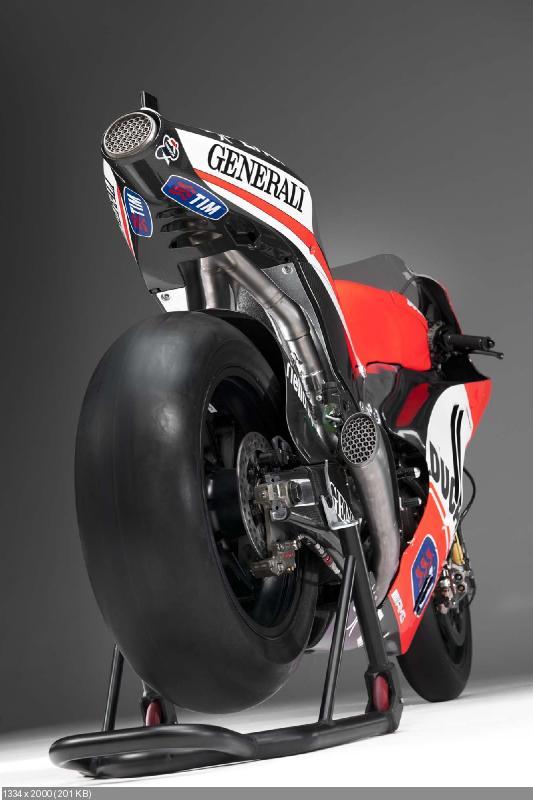 Гоночный мотоцикл Ducati Desmosedici GP12 2012